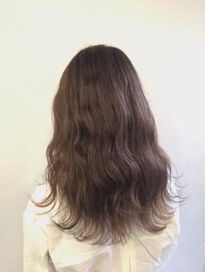 その他 カラー セミロング もともとブリーチしてあった髪にアッシュブラウンをいれました❤️ アッシュブラウンですと色持ちもアッシュよりもすごくいいです😊🌸