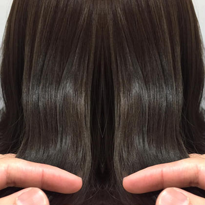 カラー セミロング 髪質改善潤艶グレージュ❌サロン専用トリートメント  とても艶の出るトワイライトグレージュに サロンでしか出来ないテーラーメイドトリートメントで こんな髪が艶艶になります‼️  サロン専用トリートメントテーラーメイドトリートメント 3000円から40%OFFの1800円でのご案内。。。 安すぎます。。。