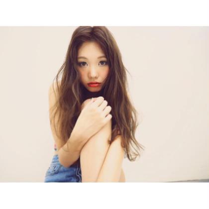 かきあげの外国人風スタイル♡ メイクは濃い赤リップで色っぽく♡ Ar and e.m.a所属・小椋りょうのスタイル