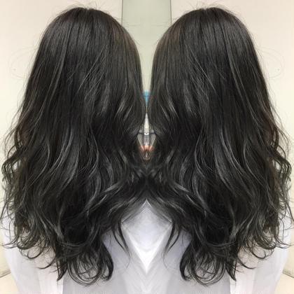 ダークグレージュ!アッシュの色味をたっぷり使って作りました艶髪です! Produce所属・冨樫敏輝のスタイル