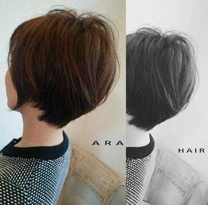 首もとを、きゅっと!!タイトにみせたショートスタイル✂️  どの角度で見てもキレイに見えます✨  ココアブラウンで大人な印象に・・ ara HAIR所属・服部幸恵のスタイル