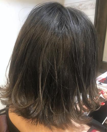 カラー 【 イルミナカラー × ハイライト 】  大人気 の シアーグレージュ と ハイライト の組み合わせ ♪  透明感 × 立体感 でワンランク上のヘアスタイルに ♪