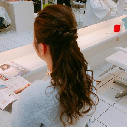 ハーフアップにしたいと写真を持ってきてくれたのでそのように! トップふんわりルーズに崩して両サイドはロープ編み♪ 可愛いですね(*´ー`*) Hair Lounge GAGA所属・GAGA耕太郎のスタイル