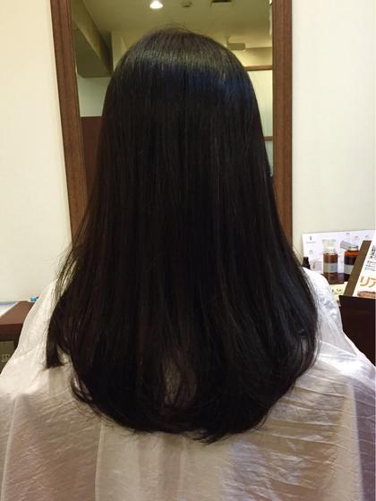 ストレートをかけてるモデルさん 10㎝カットして質感調整で扱いやすく^ ^  直毛の方など毛先に動きが出にくい方 質感調整してあげると柔らかい動きも作れますよ mood   Latte所属・守屋英治のスタイル