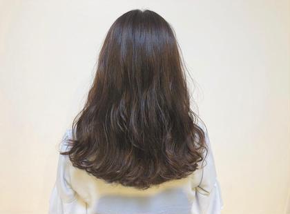 ☺︎ラベンダーブラウン ラベンダー色でツヤツヤです^ ^ 尾籠 美幸(オゴモリ ミユキ)のセミロングのヘアスタイル