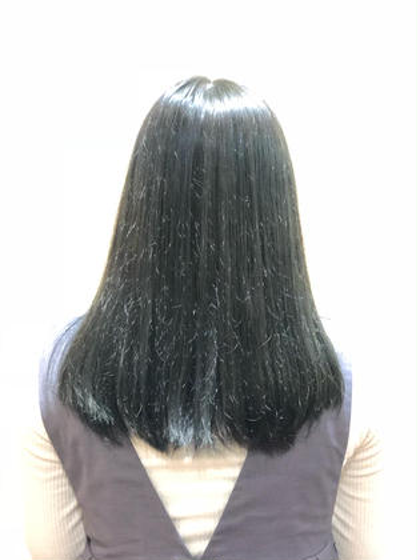 柔らかいカーキ色のカラーです! Art Hair  RIDE所属・中西大樹のスタイル