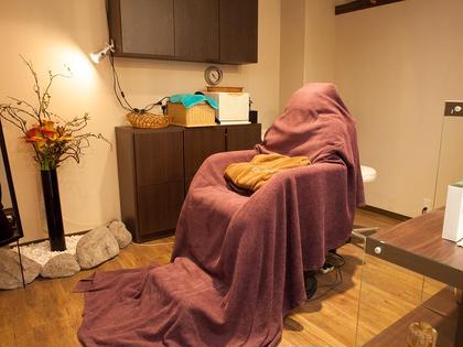 エステルーム 完全個室 リクライニングチェア  アロマディフューザー ヒーリングミュージック リラックス要素満載♪  GRAND Mar's所属・中村秋穂のスタイル