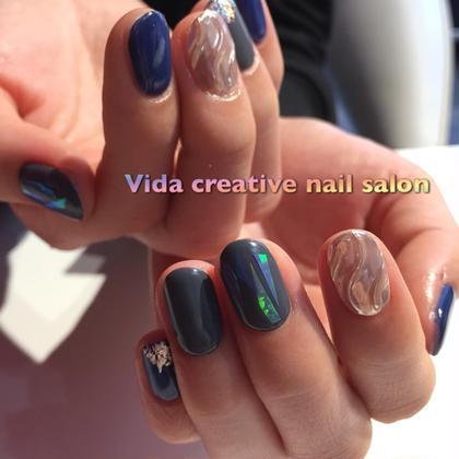 定額Bのミラー&フィルムデザインです! ブルー系のカラーでクールに✨ Vida nailの