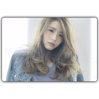 透明感のあるカラーと、ゆるふわでクールになりすぎない柔らかいロングスタイル☆ Belle Ginza所属・羽田博子のスタイル