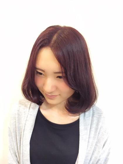 ブリーチして、今季大注目のベリーピンクに❤︎ いつものピンクに飽きてしまった方にもおすすめな大人ピンクです✨☆ minim hair所属・ハマダマユミ。のスタイル