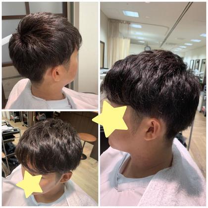 いま流行りのツーブロ+前髪重めなスタイル❁⃘*.゚  ブロックは見せ過ぎず、普段ワックスをあまりつけなくても束感だせるスタイルです ⚐゙