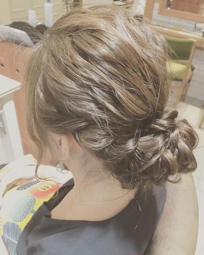 ヘアアレンジ ゆるふわまとめ髪。