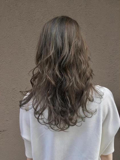 【巻き髪も可愛く】ハイライト+イルミナカラー