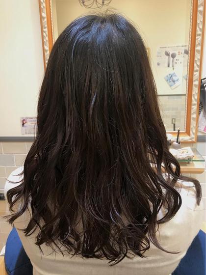 セミロング パーマ   今neoliveで人気NO.1の低音デジタルパーマです💖      髪の毛を優しい温度で温めながら巻いていくので    ダメージを最小限に抑えてかけていくことができます💫        朝のスタイリングがとっても楽になります❤️