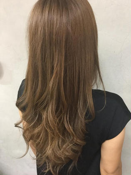 ミルキーアッシュグラデーション hair make little parks所属・後藤健史のスタイル