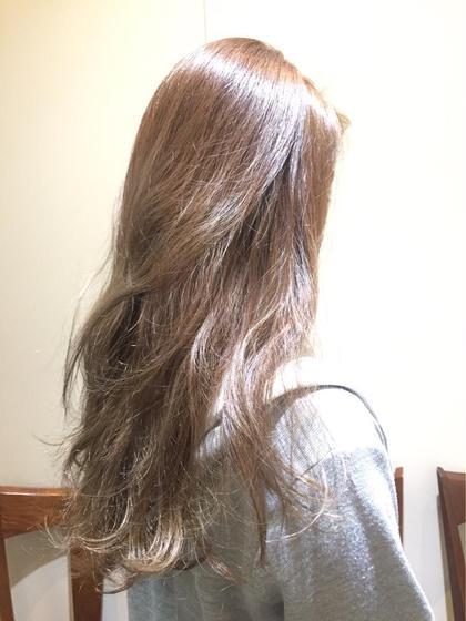 グレージュカラー トリートメントもしてさらさらな髪になります♪ Neolive &所属・鍵山千秋のスタイル