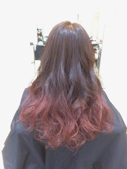 ブリーチありの毛先はピンクアッシュ系グラデーションカラーです(*^^*) ビビットすぎないピンクが人気です☆ SENSE  Hair所属・みやもとはるなのスタイル