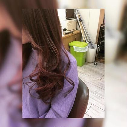 根強く人気で可愛いピンクカラー!強めの赤髪は最近の流行りです! BIACEHAIR所属・原野豊のスタイル