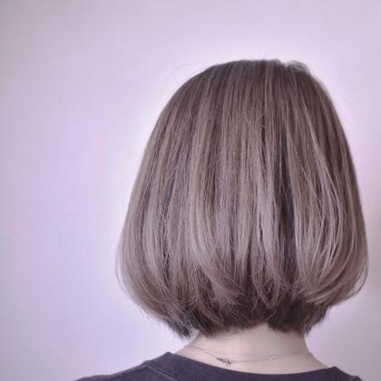 たっぷりハイライトとミルクティー てんまさやかのショートのヘアスタイル