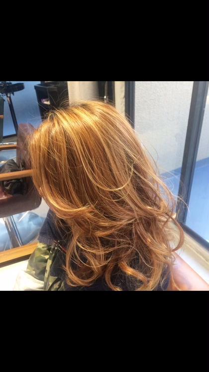 【西海岸・ハイライト】 全頭カラー×フルハイライト ¥8,000 grace hair dressing所属・宮澤北斗のスタイル