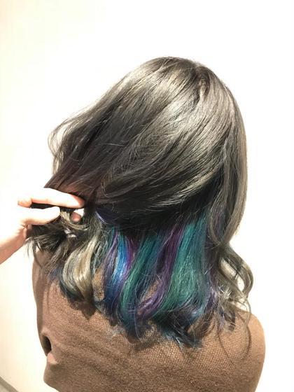 その他 カラー セミロング 前頭ブリーチしてからインナーにのみマニパニでブルー、バイオレット、ターコイズブルーの3色を入れて表面には少し暗めなグレージュカラー☆