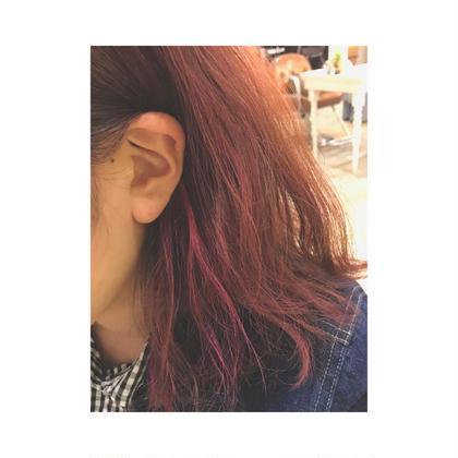 カラー セミロング ショッキングピンクがチラリ✨ ピンクにしたいけど色落ちが早い…でお悩みの方オススメです☆