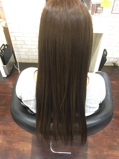 赤みの強い髪を出来るだけ赤みを取り除き 寒色系のカラーで今風にー、 ウィル姫路駅前所属・高峰優斗のスタイル