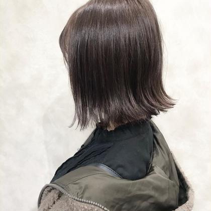 【切りっぱなしボブ】×【パールベージュ】  肩上の長さのボブヘア💁♂️  カラーはつや感のあるベージュ系カラーで美髪に♪   インスタグラムで、その他スタイル更新してます。 気に入ったスタイルは保存しておいてもらうと カウンセリングがスムーズです☆ な instagram→@hayatoniwa