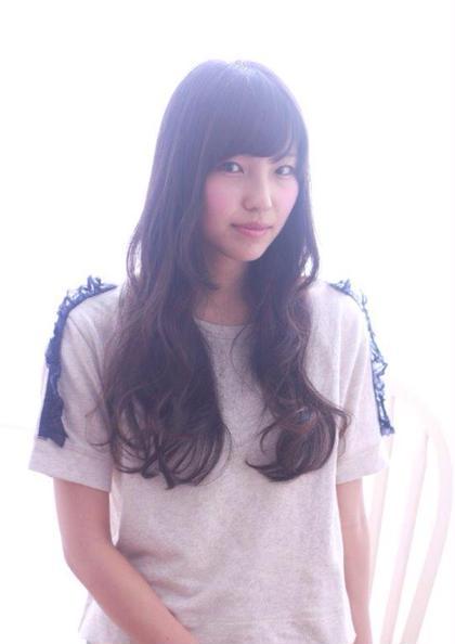 つくりすぎないカール感が◎ Wish Hair所属・柳川裕貴のスタイル