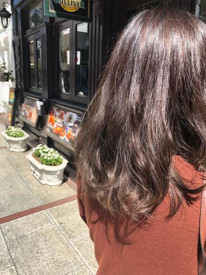 グラデーションカラーです! ワンブリーチで暗いお色を入れて目立たせないようにしております! お仕事で制限あっても可能です! 松本平太郎美容室八王子店所属・石岡大地のスタイル