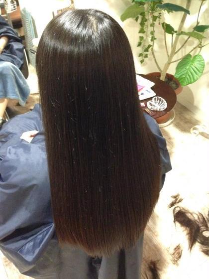 髪質改善ストレート×ショコラアッシュカラー THIS&THAT所属・荒堀  大輔トップデザイナーのスタイル