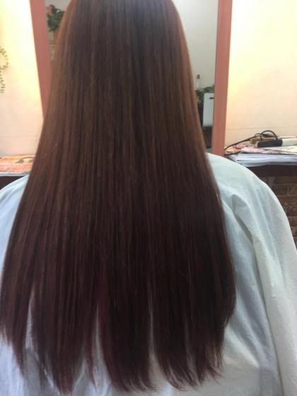 新発想 美髪 S-AQUA サイエンスアクアトリートメントキューティクルの移動理論 軽い癖を収まり易い髪質へと導きます。