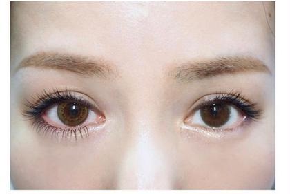 圧倒的持ちパーフェクトラッシュ♡ いつもの目が濃さとしなやかさで魅力的な瞳に😌 通常¥10000→ミニモ様初回限定価格¥7000 浦上真美の