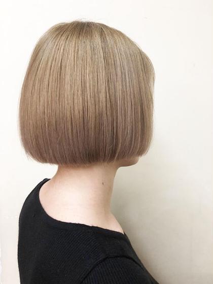水平ボブに1ブリーチでアッシュベージュ🤩 SUN所属・徳竹淳一のスタイル