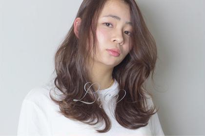 モノトーンアッシュで透け感アップ♪仕上げはゆるーく外はね巻き髪で! Lico HAIR&RELAXATION 一宮店所属・加納省吾のスタイル
