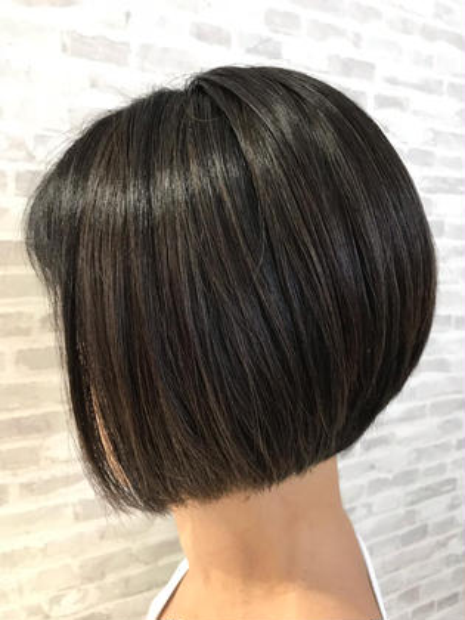 ✨似合わせ、扱いやすさ抜群✨カット+極潤トリートメント❣️安心してお気に入りの髪型に(^ ^)✨