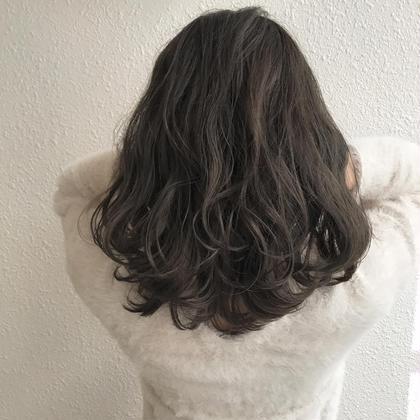 カラー 秋冬おすすめカラー❤ カット、カラー、トリートメント  ブリーチ毛のお客様になりますので、 ブリーチされてない方は要相談です( ˃ ⌑ ˂ഃ )