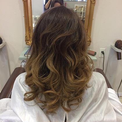 hair color〻  グラデーションカラー✨ ナチュラルブラウンからベージュへのグラデーションです💗 VOGUE LOGIC所属・馬場明日香のフォト