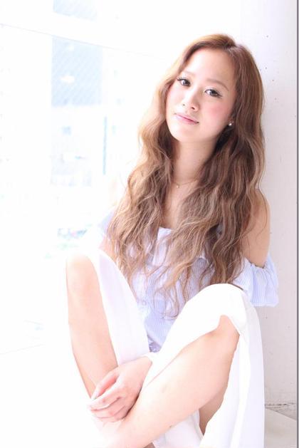 撮影モデル**まゆみさん♡ スーパーロングヘア♩♬ モーブベージュカラー( ^ω^ ) DIGNIF所属・藤垣万耶のスタイル