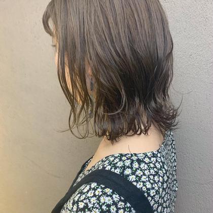 切りっぱなしボブ×透けるベージュで こなれ感のあるおしゃれヘアに Hbypieceofcake所属・今村彩乃のスタイル
