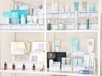 エクスビアンスやメソシューティカルなど、医療でも実績のあるこだわりのお化粧品やサプリメントを取り揃えております。