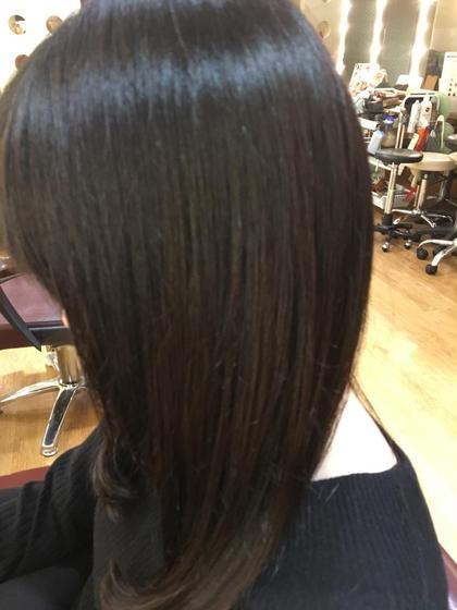 うる艶トリートメントをすると、ひっかかりやバサバサ感がおさえられロングでも扱いやすく伸ばしていけます(^^) 髪の修復専門店 ジールーム所属・千葉衣里子のスタイル
