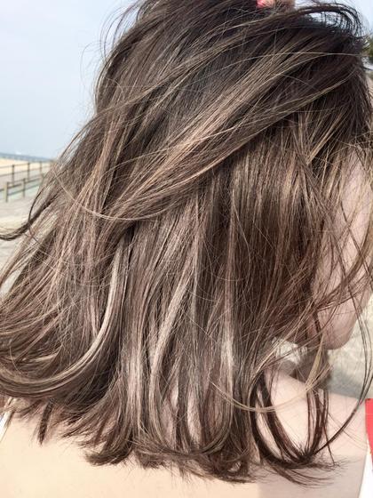 ナチュラルハイライトカラー 春花 のミディアムのヘアスタイル