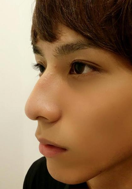 メンズエクステ×アイブロウ 眉は余分な毛やうぶ毛をWAXで取りくっきり男らしく! エクステは目力を出すために自まつげと同じ長さを選定し装着! ナチュラルにキリッと大変身☆ W EYE BEAUTY 表参道本店所属・小野美咲のフォト