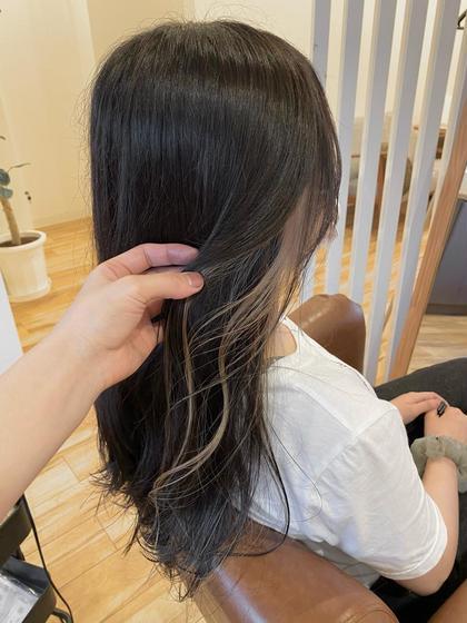 耳元のアクセサリー感覚で💄⋈*.《イヤリングカラー+全体カラー》前髪のインナーカラーの場合も同料金で施術可能です✨👌