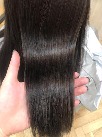 Baciamiで行う炭酸泉で 髪の毛に付着した汚れを除去! 頭皮の汚れ、スタイリング剤もしっかり おとしてくれます!  ぜひお試しください。 BaciamiHair&Spa所属・石原あすかのスタイル