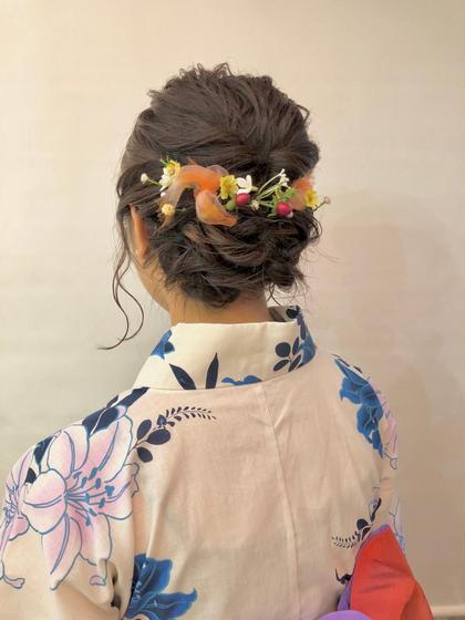その他 ヘアアレンジ ミディアム 飾りはお店でご用意したものです❗️ 大人気の髪型です🌸💓