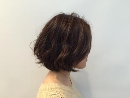 タンバルモリ☆ 最近はやりの重めのボブスタイルに少しレイヤーを入れて軽さも出してます(^^♪  毛先に残ってるパーマを活かしてくしゃっとした仕上がりでも可愛くなります(≧▽≦) ROOM hair所属・團春華のスタイル
