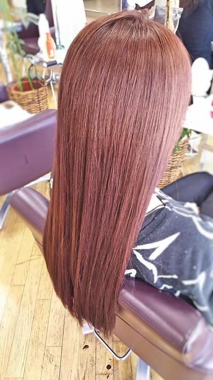 【鮮やかピンクアッシュ】アッシュが大流行している中、今回させていただいたのはアッシュピンクです。甘すぎない少し落ち着いた大人なピンク、色が抜けてハイトーンになった髪に入れたことにより、鮮やかなカラーに仕上がりました! 松本平太郎美容室川越店所属・島田裕也のスタイル