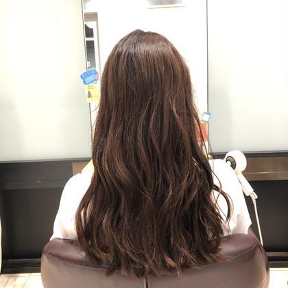 オレンジに色抜けした髪をピンクブラウンに🎀 equalbyProduce所属・江藤恋のスタイル